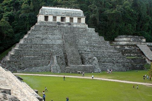 パレンケ遺跡 碑文の神殿