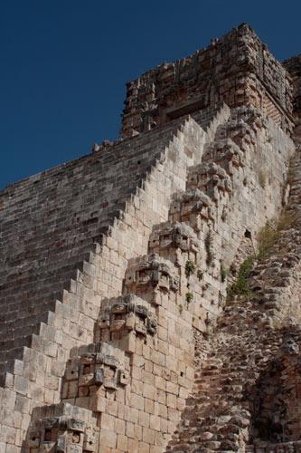 魔法使いのピラミッド:階段
