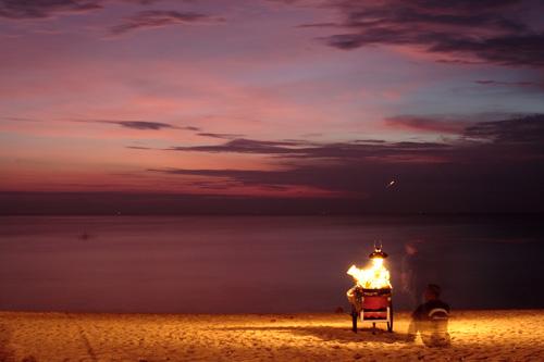 海辺の露天商