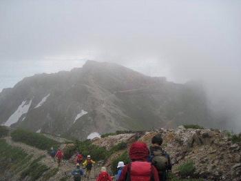 ⑫山頂からの下りです