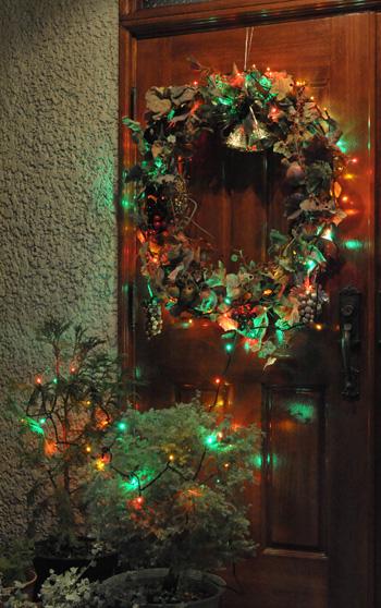 wreath2010-1.jpg