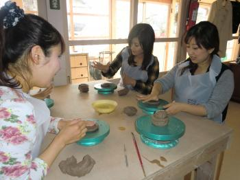陶芸体験中