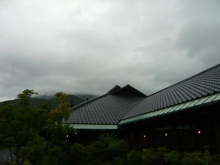 まだまだ梅雨です