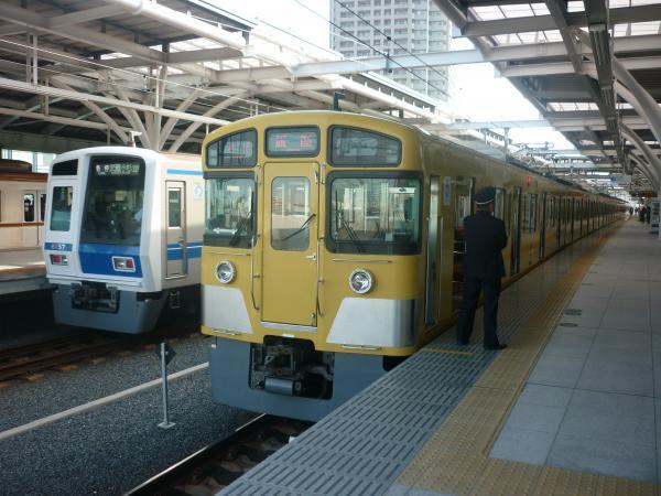 2014-10-18 西武2073F 6157F
