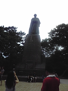 100813_1629~坂本龍馬の像01.jpg