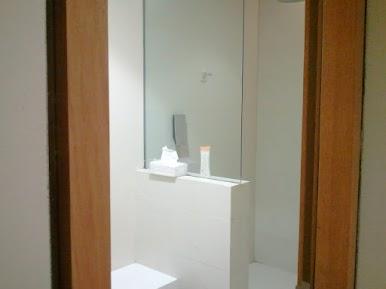 ラウンジシャワー