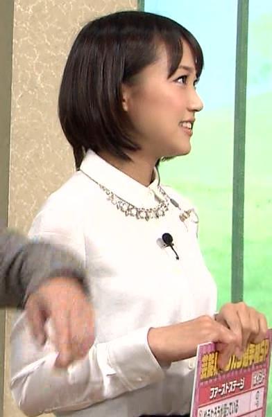 竹内由恵 横乳 (白い長袖)