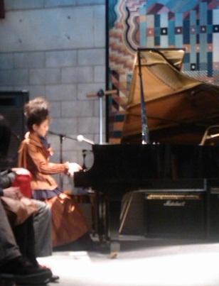 wahu-piano_20121021191322.jpg