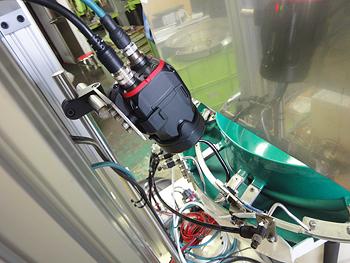 信和技研 / 画像処理検査装置付き基板用パーツフィーダー
