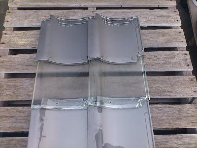 ガラス瓦①