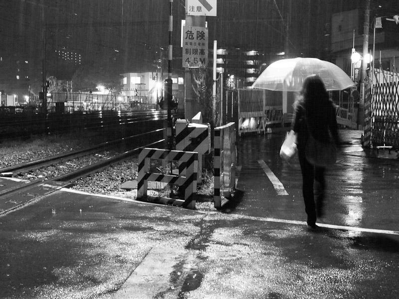 2_Night_Rain101204.jpg
