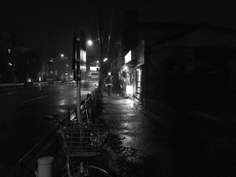 3_Night_Rain101204.jpg