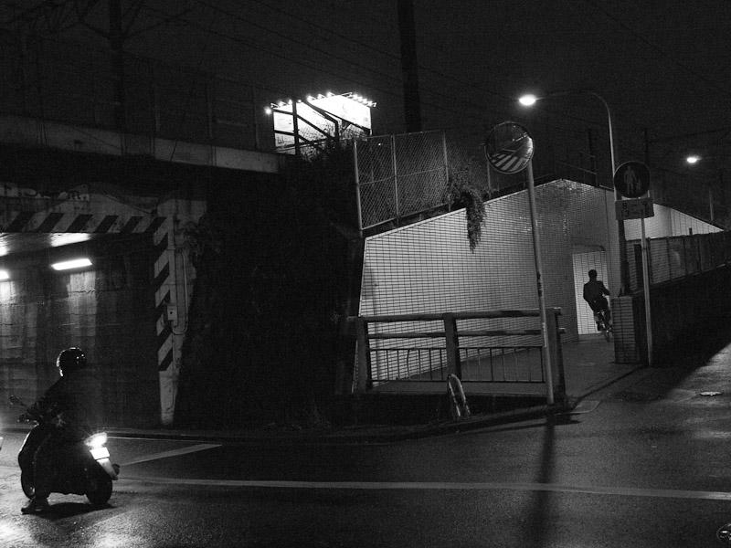 6_Night_Rain101204.jpg