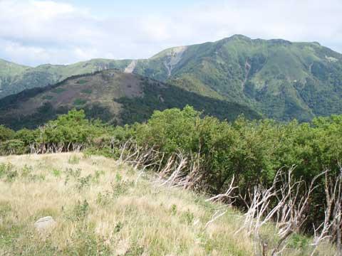 白髪山分岐から 三嶺方面