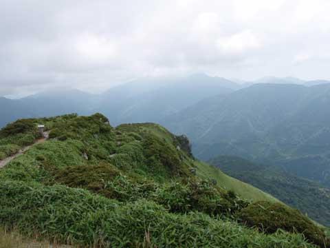 三嶺山頂 剣山方面
