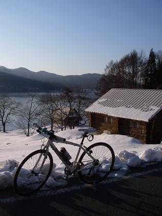 自転車(湖畔のログハウス)
