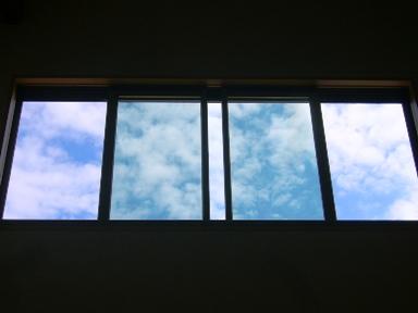吹き抜け 窓