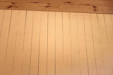 ログの板壁