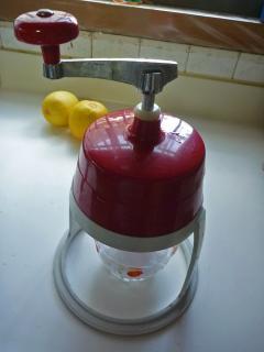 レトロな氷かき器