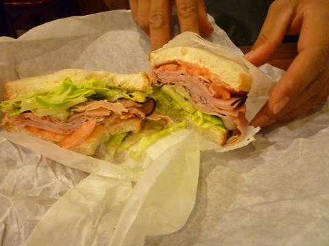 サンドイッチはボリュームタ