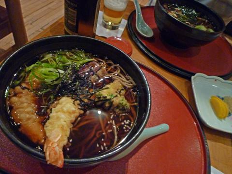 天ぷらそばと山菜そば
