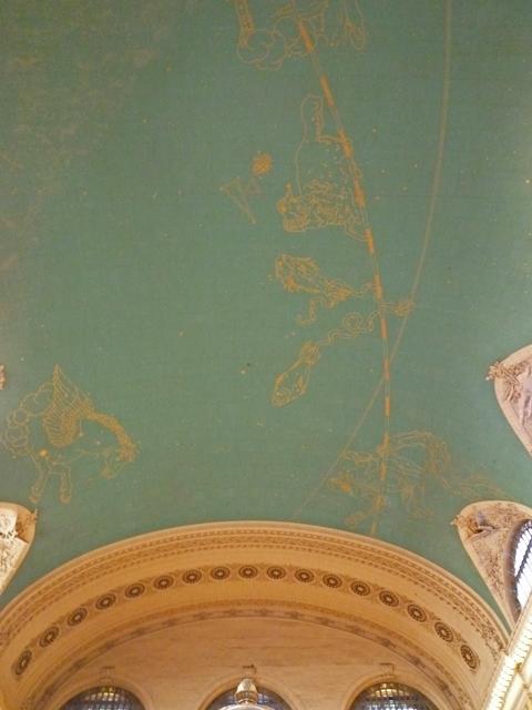 天井には星座が描かれていま