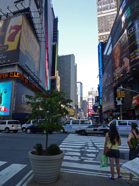 午後4時のタイムズスクエア