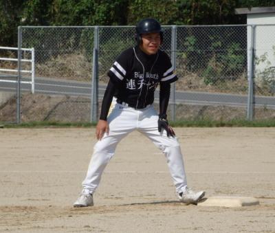 P9283355Big連チャンず2回裏無死一、三塁から左超え二塁打を放ち1点追加