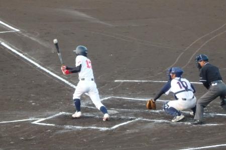 PA0938341回裏金た郎1死満塁から6番の遊ゴロ野選で三走生環