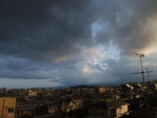 曇り空と晴れの街(4)_2010-07-12