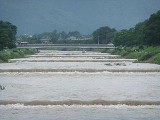 賀茂川の洪水_01_2010-07-15