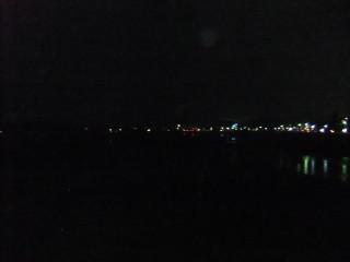 松尾橋と67系統(松尾橋を渡ってバス停へ)_02_2011-02-17