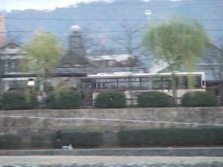 京都バスを流し撮り_2010-12-02A