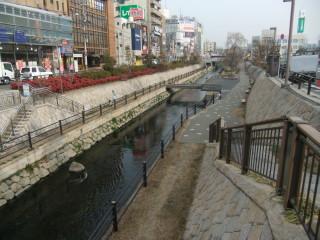 寝屋川市駅と寝屋川せせらぎ公園_01B_2011-02-05