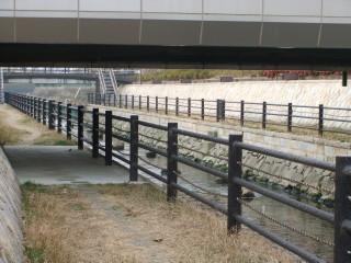 寝屋川市駅と寝屋川せせらぎ公園_03B_2011-02-05