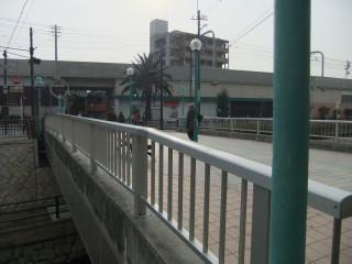 寝屋川市駅と寝屋川せせらぎ公園_04B_2011-02-05