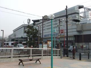 寝屋川市駅と寝屋川せせらぎ公園_05B_2011-02-05