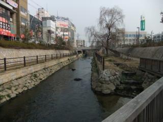 寝屋川市駅と寝屋川せせらぎ公園_06A_2011-02-05