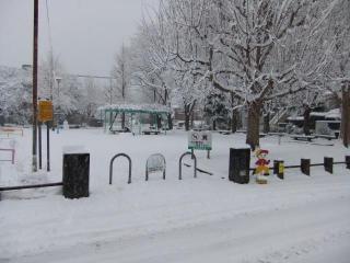 糠田児童公園の雪_04_2010-12-31
