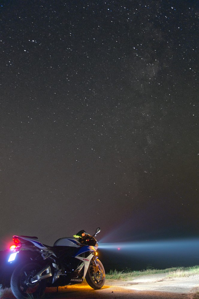 星空とバイク