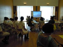 ふたごのための育児教室 001s