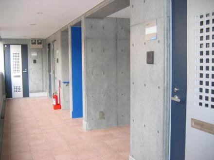 2階賃貸部廊下