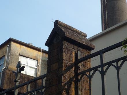 東大工学部の塀