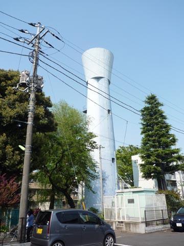 公社祖師谷団地の給水塔②