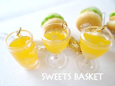 完成品カツバーガーとオレンジジュースのストラップ③1203