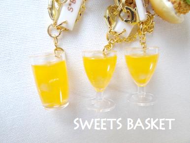 完成品カツバーガーとオレンジジュースのストラップ②1203