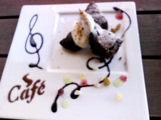 cake120nov2010.jpg