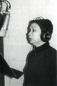 レコーディング中の長田明子