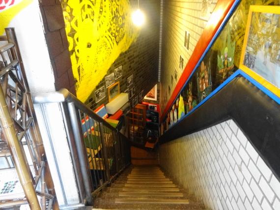 ロッディー 地下への階段