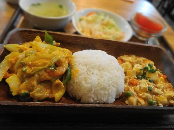 ロッディー 海鮮イエローカレー炒めランチ2